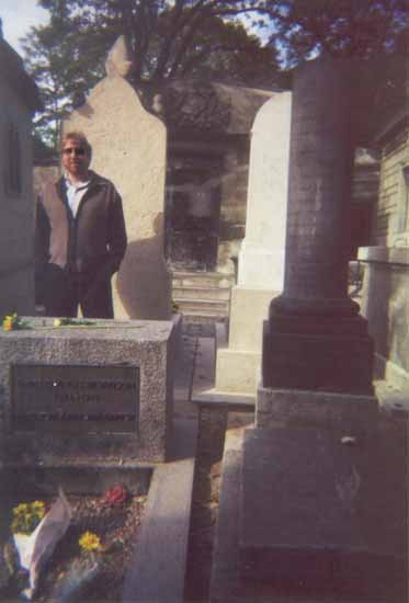 jim_morrison_grave_ghost_1997_doors