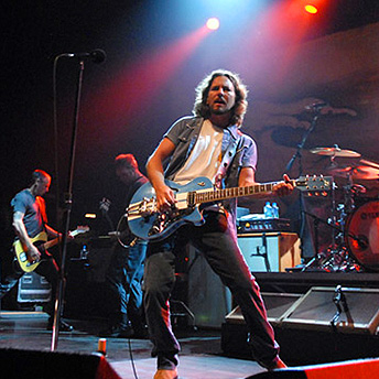 eddie_vedder_blue_guitar_austin_city_limits