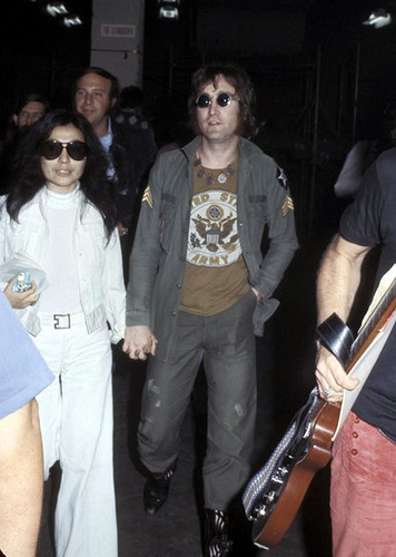 john_lennon_jacket_concert_new_york_patches