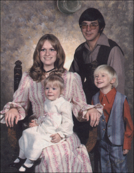 Kurt Cobain Sister Kimberly Wendy Donald Family Photo