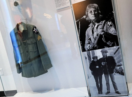 john_lennon_jacket_army_patches_display