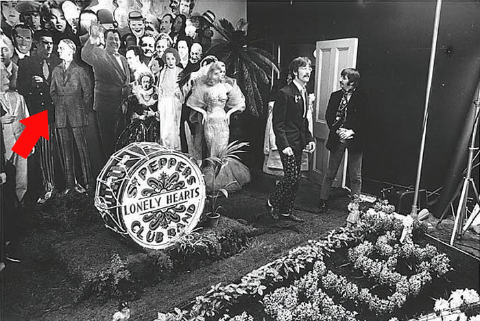 Sgt_peppers_lonely_hearts_club_band_the_beatles_hitler