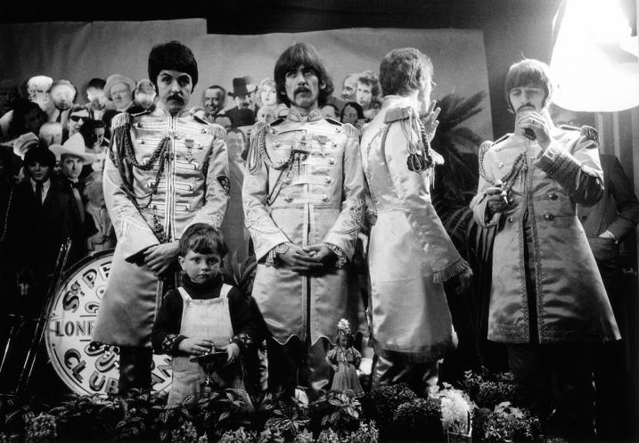 sgt._peppers_photo_shoot_alternate_shot_chelsea_manor_studios_beatles