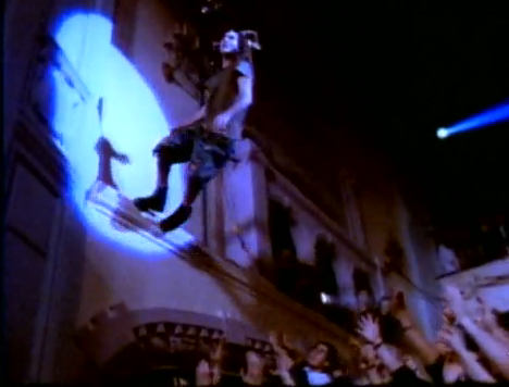 eddie_vedder_jump_evenflow_video_moore_real_jam
