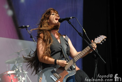 Alanis Morrisette Dan Armstrong Ampeg Clear Lucite Guitar