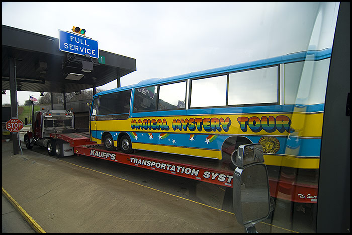 The_beatles_magical_mystery_tour_bus
