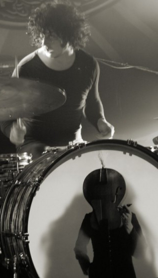 jack white the dead weather drums