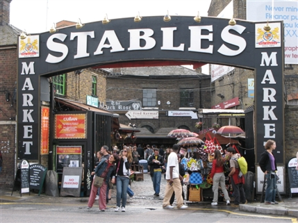 stables_market_the_clash_photo_rehearsal_stairs