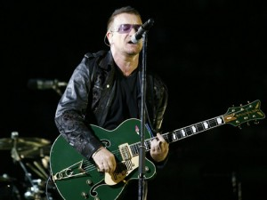 bono-gretsch-signature-irish_falcon_guitar_U2