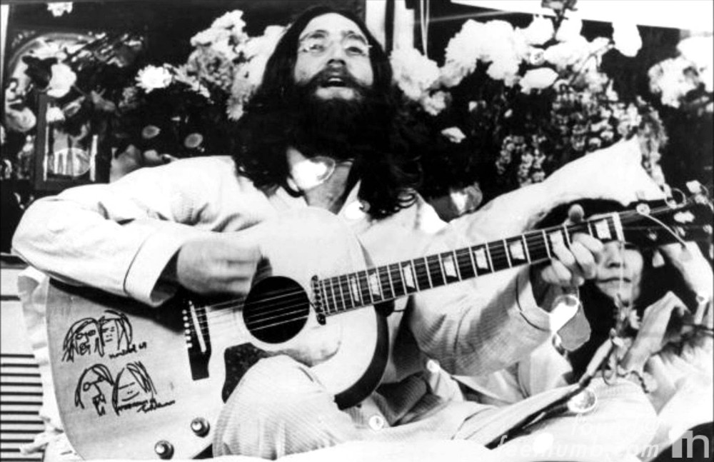 John Lennon Bed In Acoustic Guitar