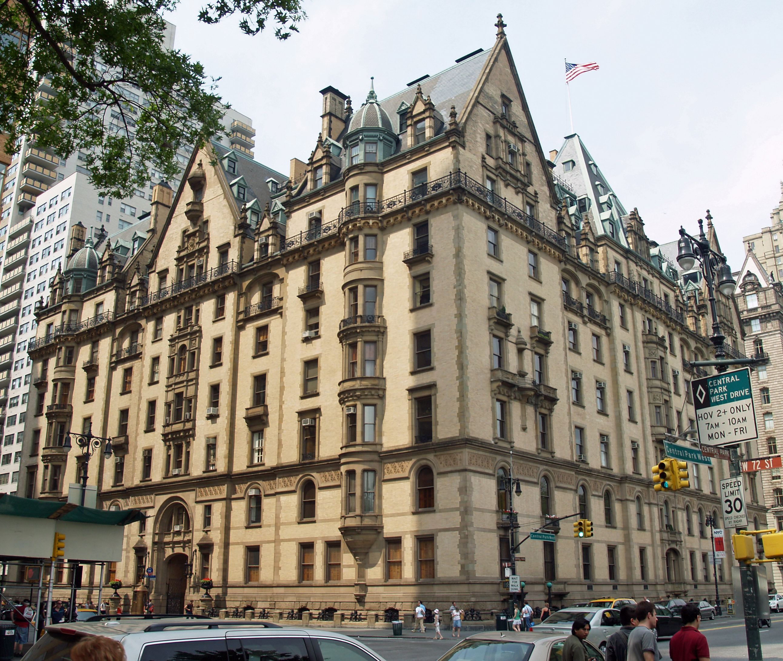 City Apartment Building The Dakota John Lennon S New York City Apartment Building