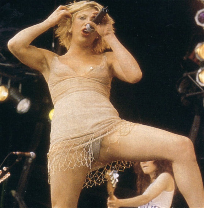 naked Courtney love