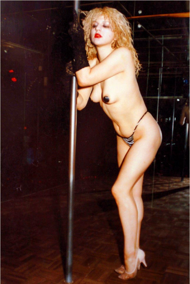 Can not Young courtney love naked share your