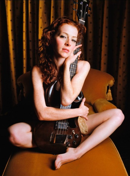Melissa Auf der Maur Bass Sexy Photo Gallery