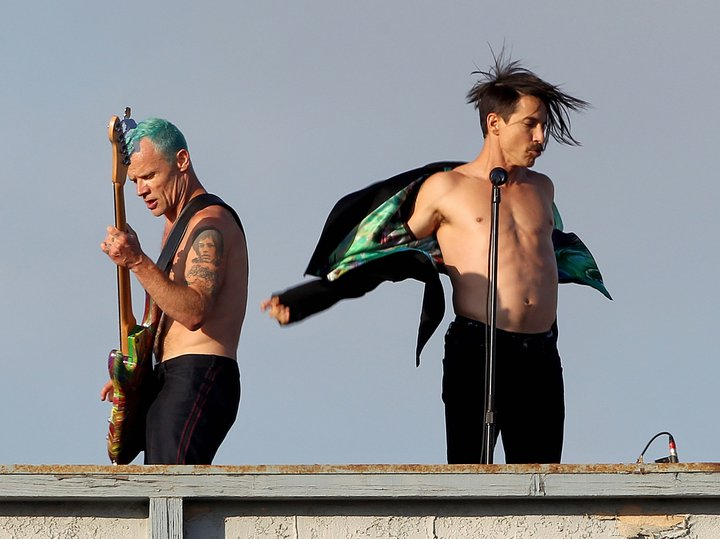 Red Hot Chili Peppers Raindance Maggie Video Venice Beach