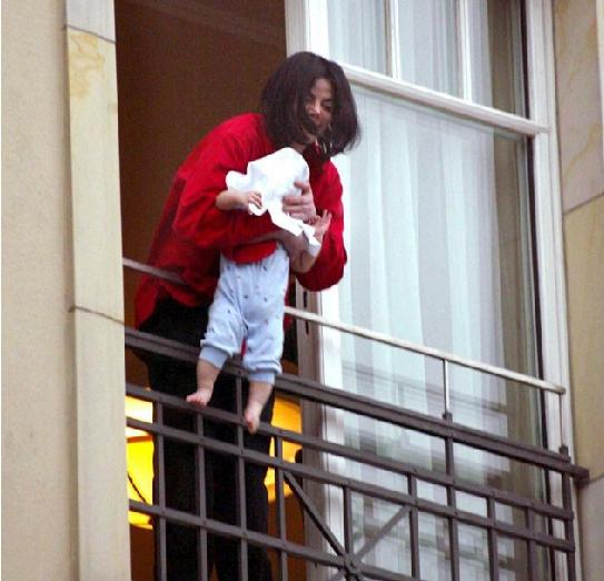Michael Jackson Balcony Hotel Adlon Blanket Jackson Berlin Germany