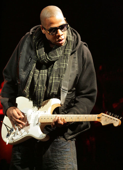 Jay Z Guitar Glastonbury 2008 Noel Gallagher Guitar Oasis Wonderwall