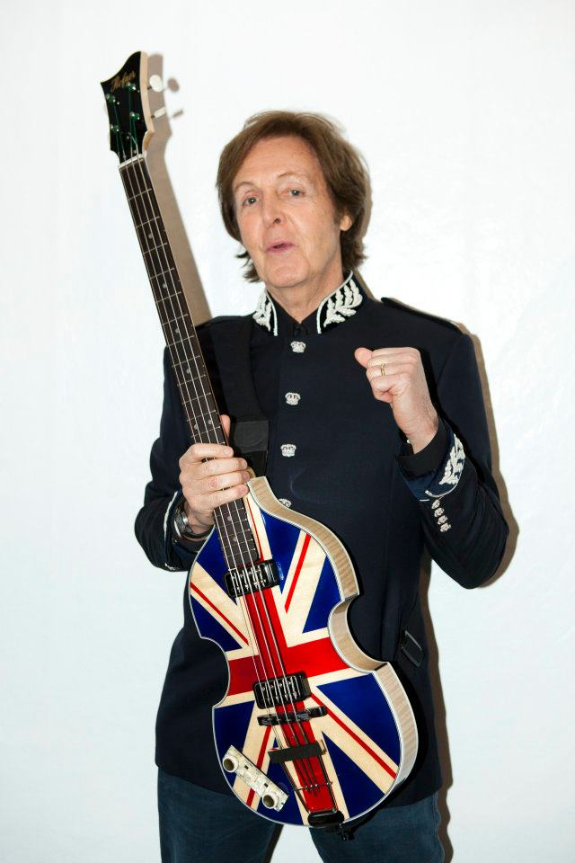 Paul McCartney British Flag Union Jack Hofner Bass Guitar The Beatles Oasis Noel Gallagher