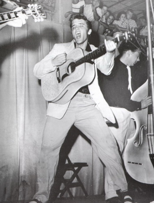 Elvis Presley Tonsil Photo Fort Homer Hesterly Armory Tampa Florida July, 31, 1955