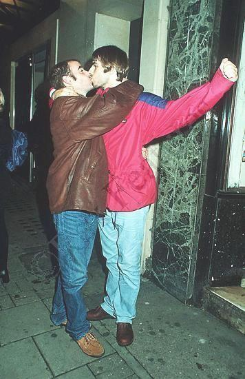 Liam Gallagher Kissing Bonehead Oasis