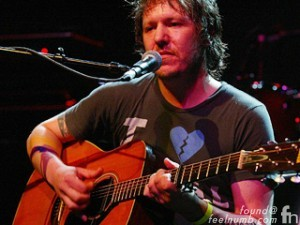 Elliott Smith Performing