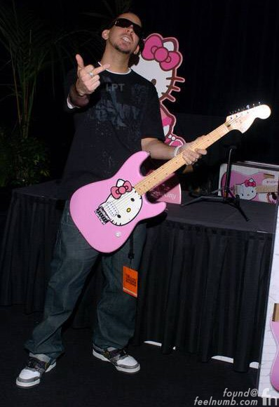 Mike Shinoda Linkin Park Hello Kitty Fender Squier Guitar