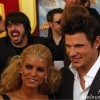 Dave Grohl Jessica Simpson Nick Lachey Photobomb