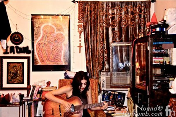 "Frances Bean Cobain ""I'm Dumb"" Kurt Nirvana Playing Guitar"