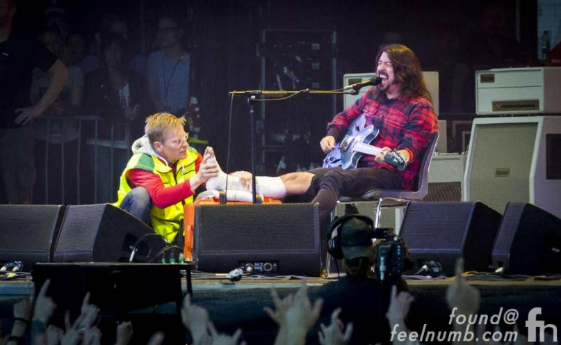 Dave Grohl Breaks Legs Foo Fighters Finishes Show Sweden June 12, 2015