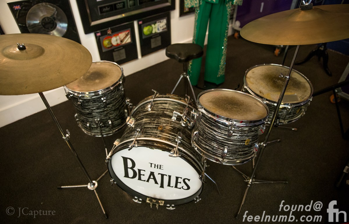 Ringo Starr First The Beatles Drum Kit Oyster Pearl Auction Jcapture Fieelnumb