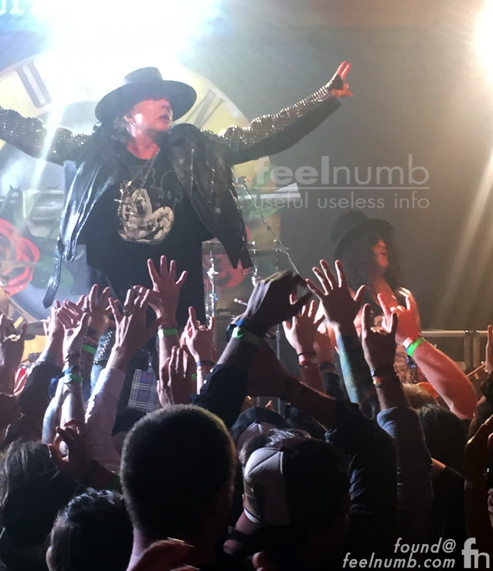 Axl Rose Slash Guns N' Roses GNR First Show 2016 The Troubadour Los Angeles, CA feelnumb.com