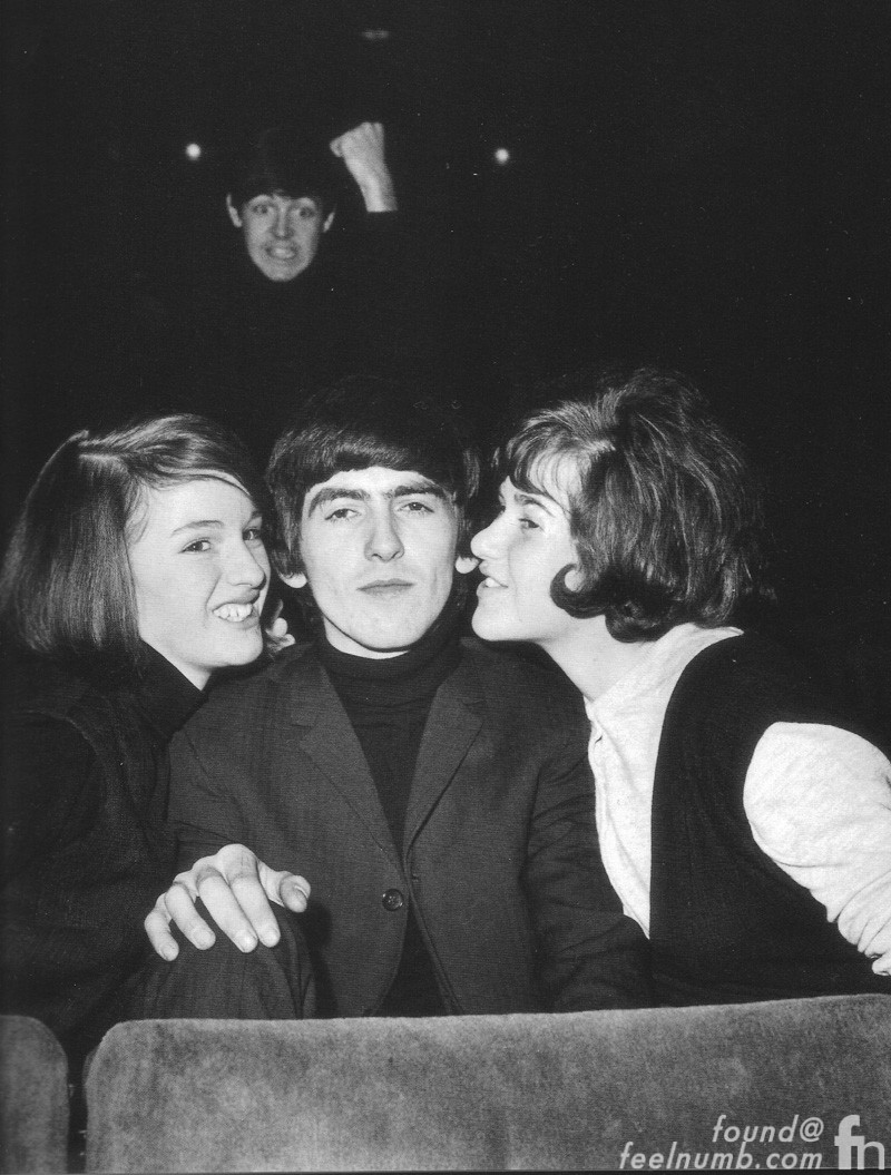 Paul McCartney Photobombing Photobomb George Harrison The Beatles 1964