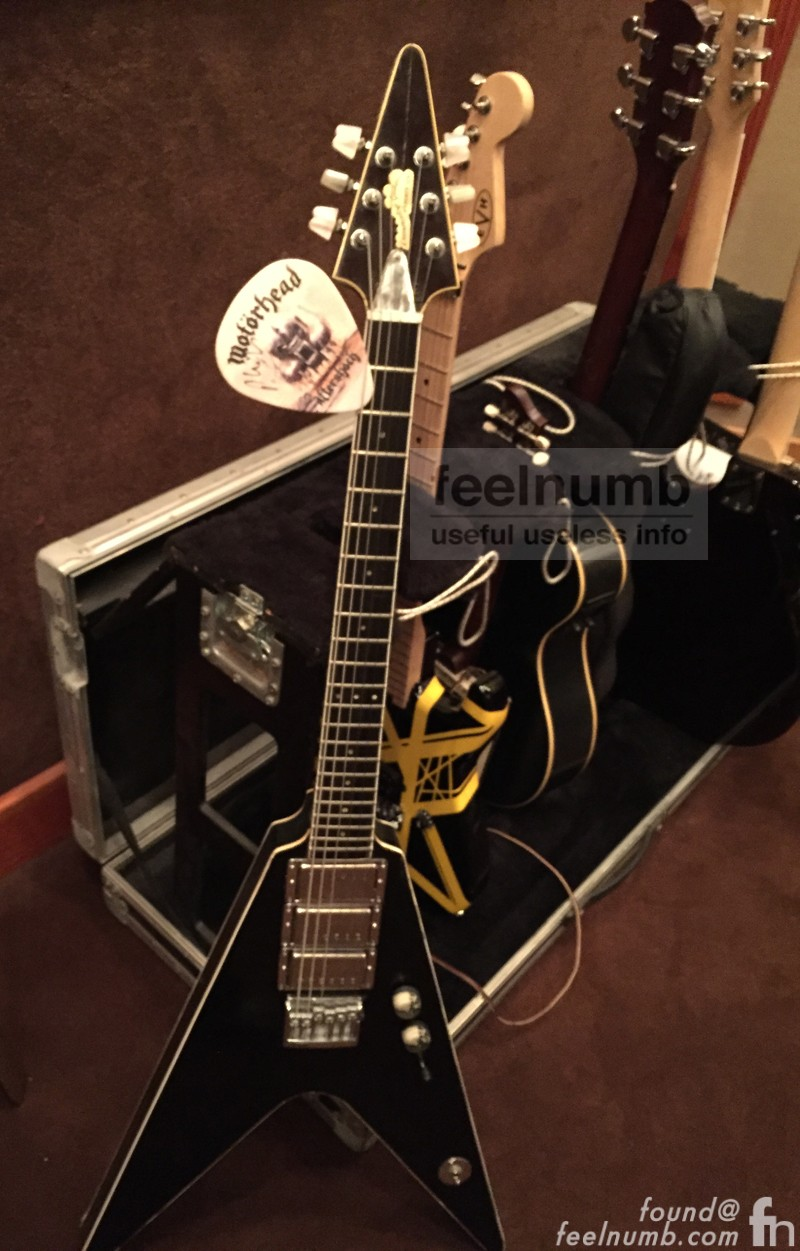 feelnumb com EXCLUSIVE: The Dave Grohl Flying-V Motörhead