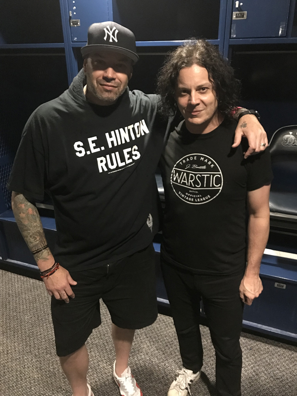 Feelnumb Com Exclusive  Jack White Drops By The Outsiders